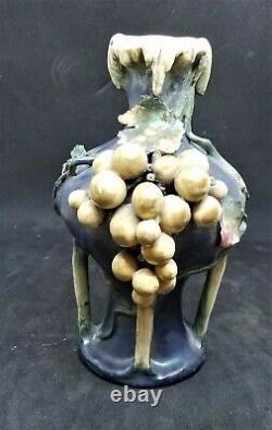 Edda Amphora Vase