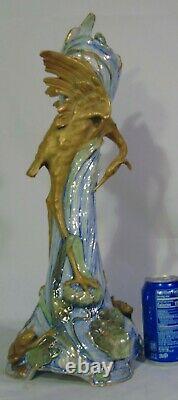 Ernst Wahliss Art Nouveau Teplitz Porcelain Austrian Amphora Vase Crane Frogs