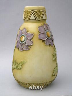 Ernst Wahliss Turn Teplitz Wien Jugendstil Keramik Vase Vienna Art Nouveau