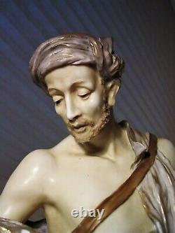 Ernst Wahliss Turn Wein Statue Austria
